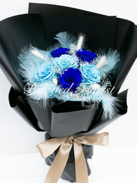 6 Navy and Blue Preserved Roses Fancy Bouquet <font color=red> Limited